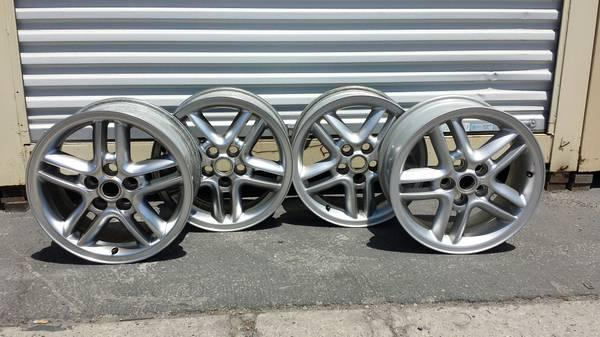 Land Rover Discovery II/Range Rover P38 Hurricane Wheels
