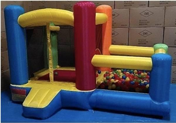 Bounce House with balls