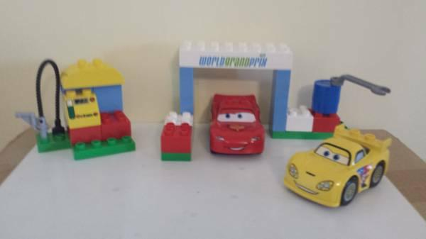 Lego Duplo Disney Cars Race Day #6133 or Classic Race #10600