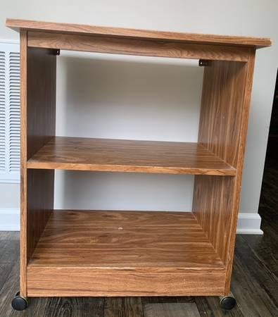 Very Sturdy Wood TV Entertainment Center Caster Rack