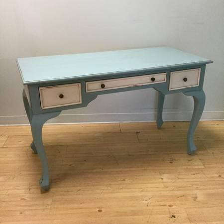 WRITING DESK/TABLE
