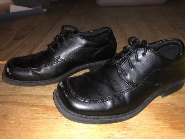 *****BLACK DRESS SHOES - KIDS SIZE 3